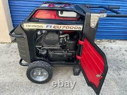 Honda EU7000IS 7000-Watt 120/240V Super Quiet Light Weight inverter Generator