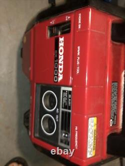Honda EX 1000Watt Super Quiet Gas Powered Portable Inverter Generator NICE